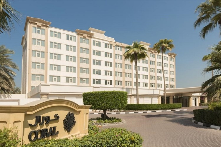 coral-beach-resort-sharjah-foto-1