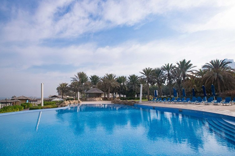 coral-beach-resort-sharjah-foto